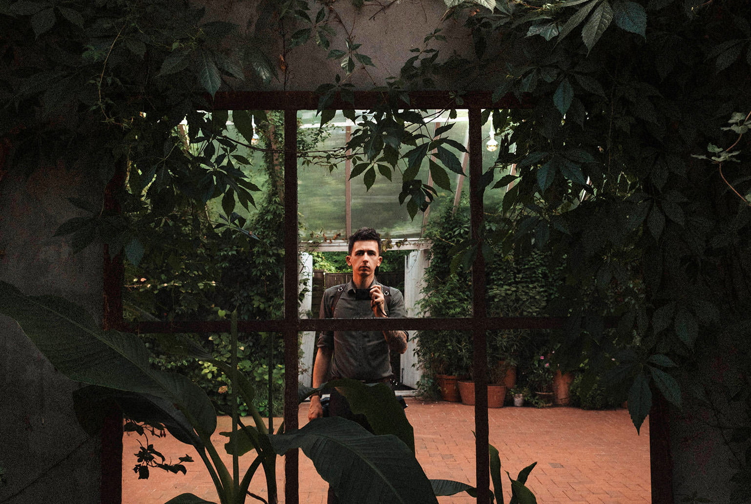 fotograf ślubny z aparatem z the Snap Shots fotografia ślubna