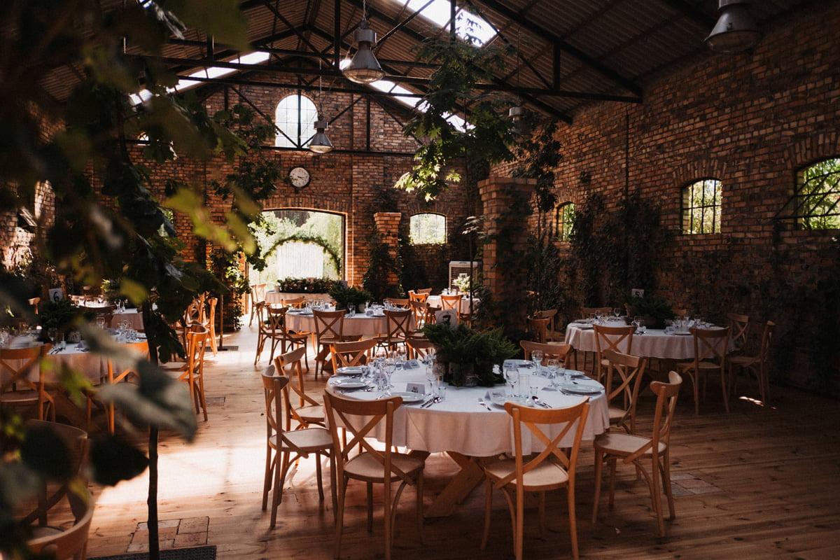 Cicha 23 - duża stajnia na wesele - wnętrze