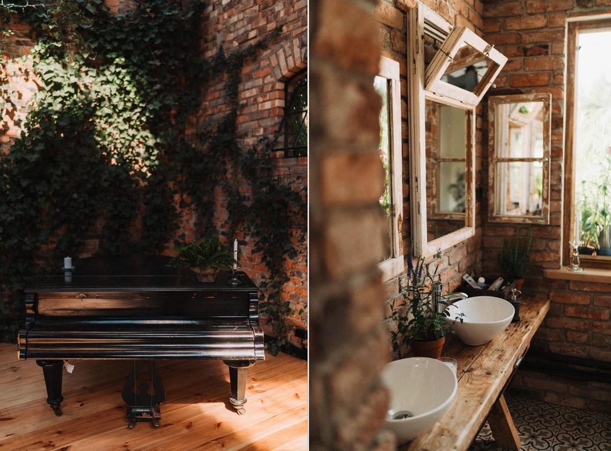 Cicha 23 - łazienka i fortepian